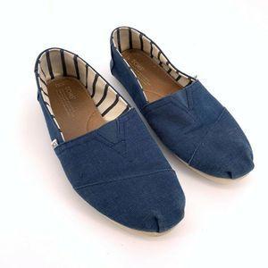 TOMS Mens 10.5 Blue Classic Alpargatas Loafers